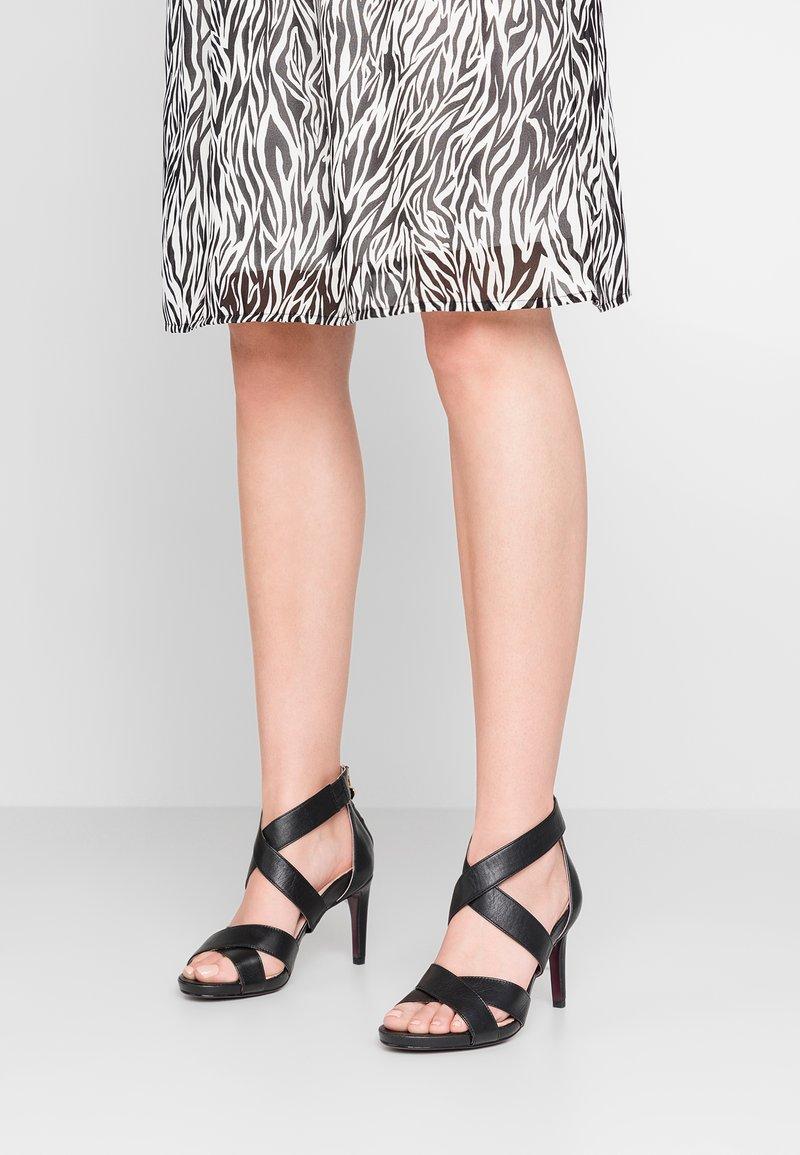 Tamaris Heart & Sole - Korolliset sandaalit - black