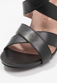 Tamaris Heart & Sole - Sandalen met hoge hak - black