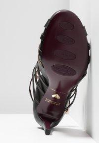 Tamaris Heart & Sole - Korolliset sandaalit - black - 6