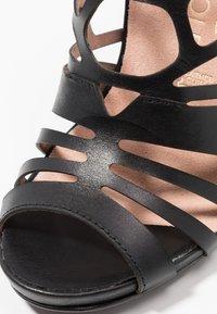 Tamaris Heart & Sole - Korolliset sandaalit - black - 2