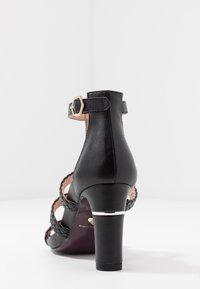 Tamaris Heart & Sole - Korolliset sandaalit - black - 5