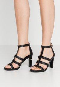 Tamaris Heart & Sole - Korolliset sandaalit - black - 0