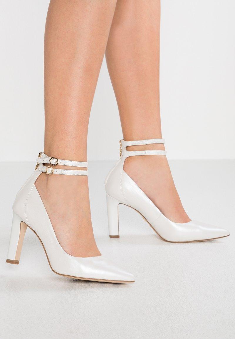 Tamaris Heart & Sole - High Heel Pumps - white pearl