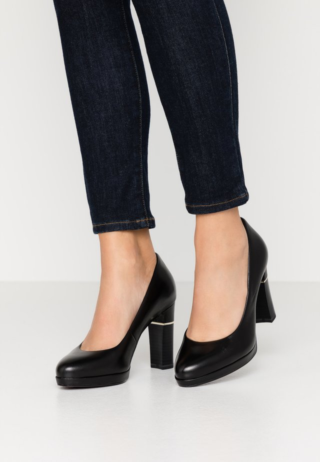 COURT SHOE - Klassiska pumps - black