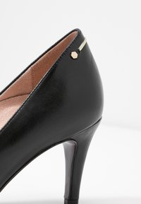 Tamaris Heart & Sole - COURT SHOE - Classic heels - black