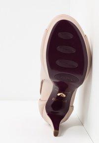 Tamaris Heart & Sole - Kotníková obuv na vysokém podpatku - nude - 6