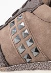 Tamaris Pure Relax - Baskets basses - taupe/pewter