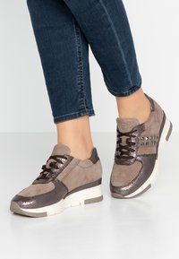 Tamaris Pure Relax - Sneakers - taupe/pewter - 0