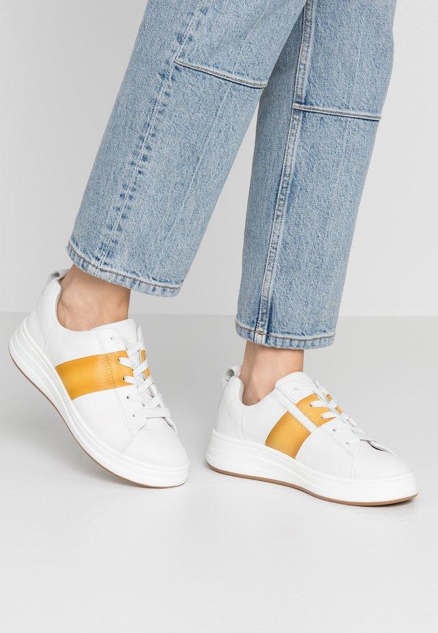 LACE-UP - Sneakersy niskie - white/saffron