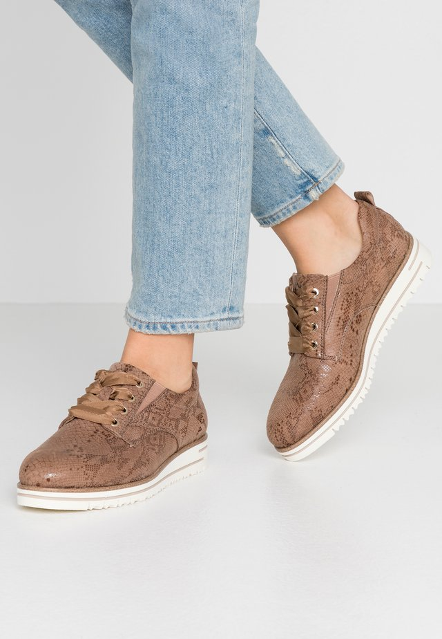 WOMS LACE-UP - Casual snøresko - taupe