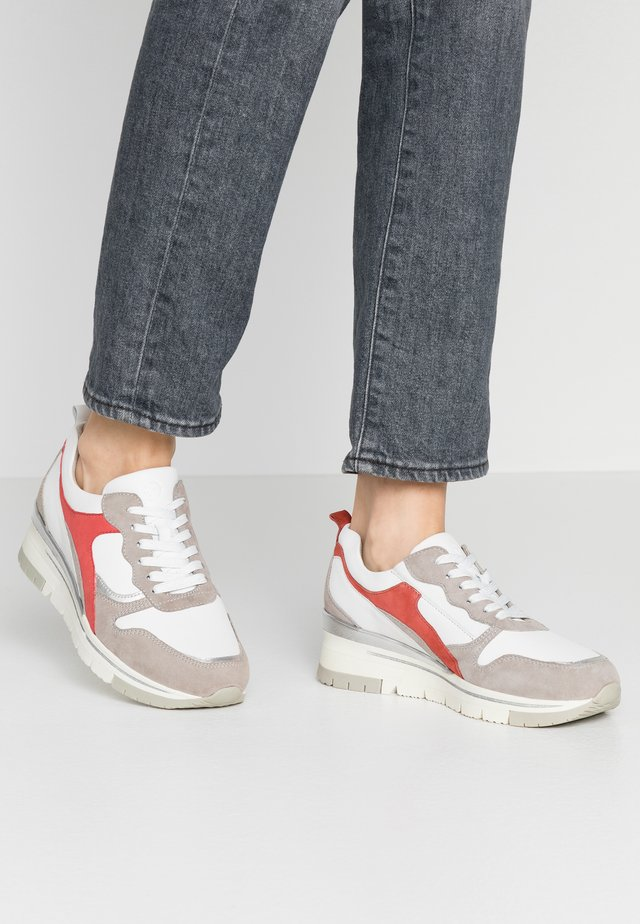 LACE-UP - Trainers - white/light grey