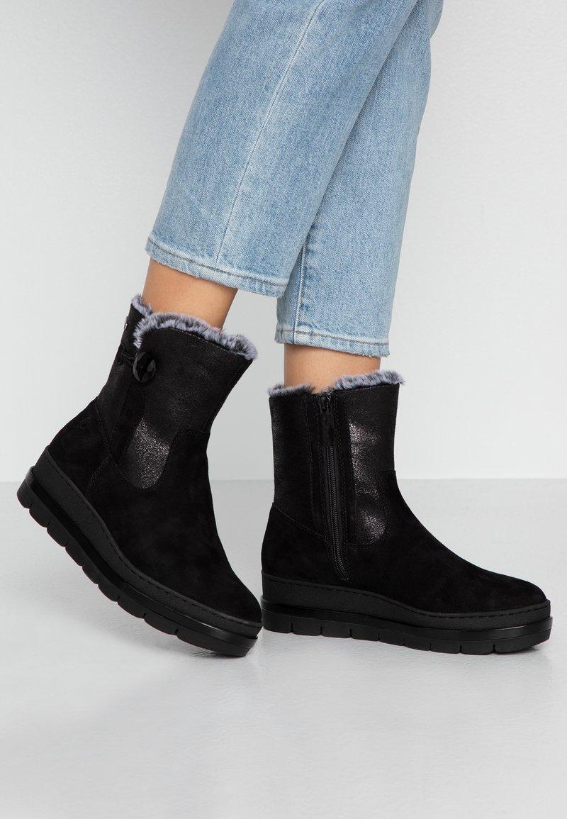 Tamaris Pure Relax - Platform ankle boots - black