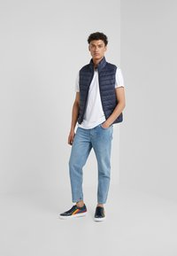 Save the duck - GIGA - Waistcoat - blue black - 1
