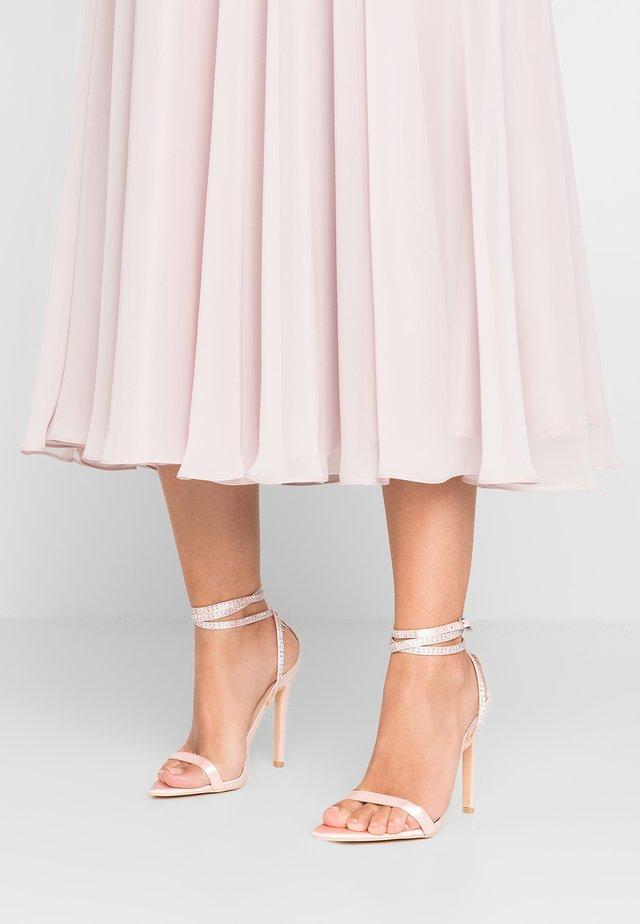 Højhælede sandaletter / Højhælede sandaler - pink