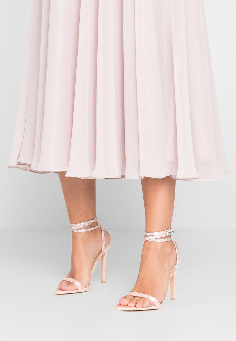 TD by True Decadence - Sandály na vysokém podpatku - pink