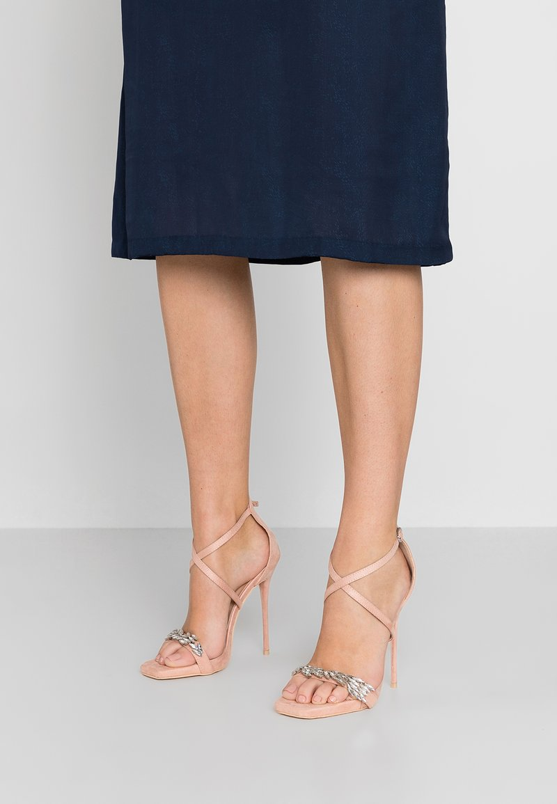 TD by True Decadence - Sandaler med høye hæler - nude