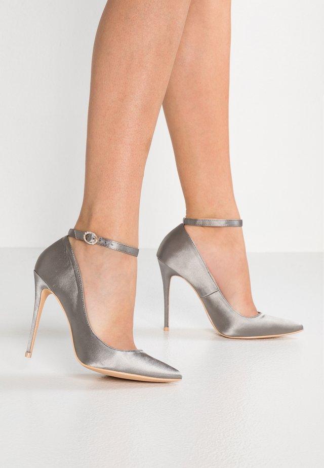 Lodičky na vysokém podpatku - dark silver