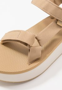 Teva - FLATFORM UNIVERSAL WOMENS - Walking sandals - lark - 5