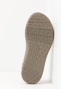 Teva - VOYA INFINITY STRIPE - Walking sandals - birch/brindle - 4
