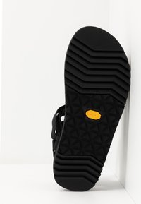 Teva - UNIVERSAL TRAIL - Walking sandals - black - 4