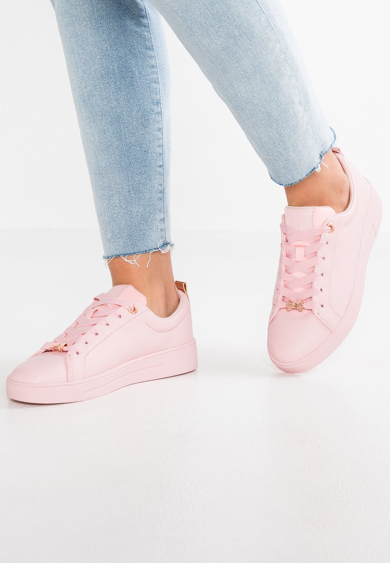 Ted Baker - GIELLI - Zapatillas - pink