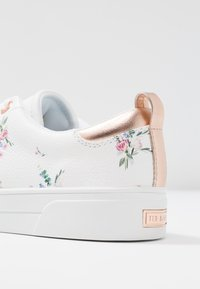 Ted Baker - ACANTHA - Baskets basses - white fortune - 2