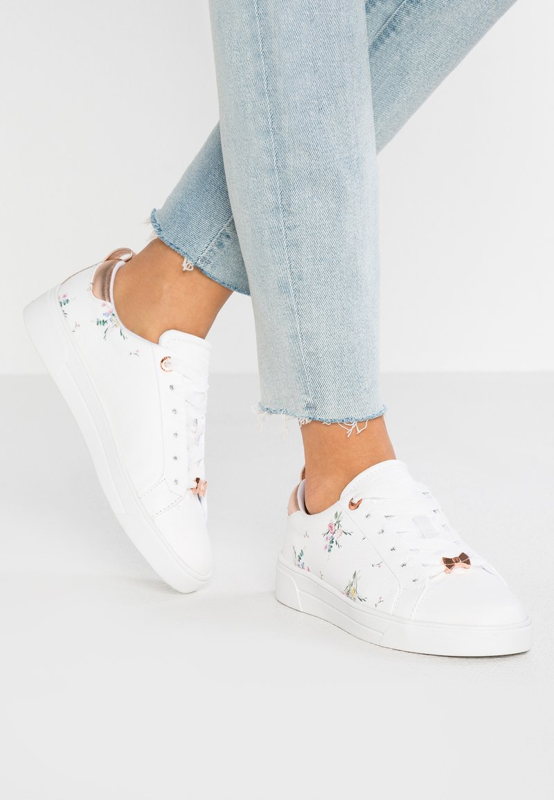 Ted Baker - ACANTHA - Sneaker low - white fortune