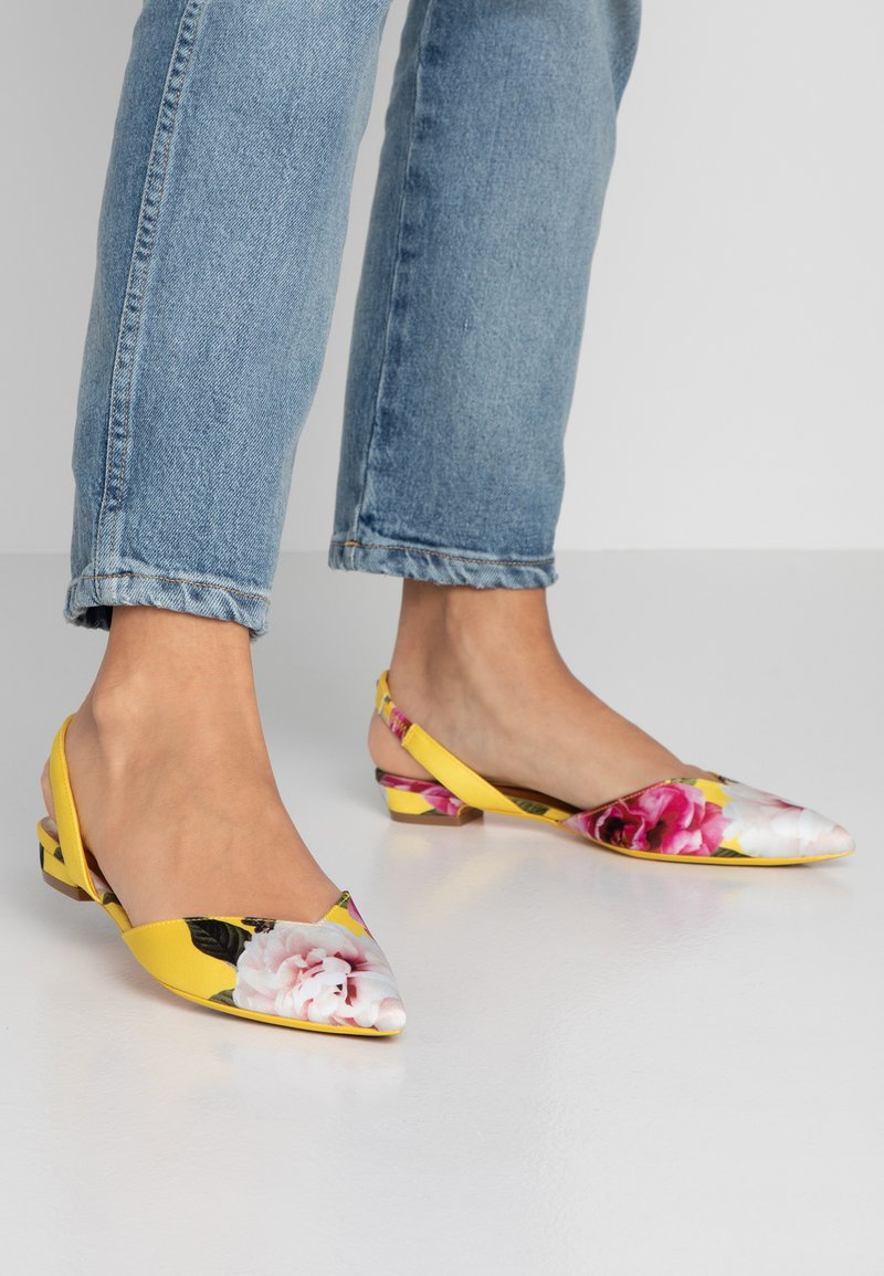 Ted Baker - PRIMLAP - Sandals - magnificent yellow