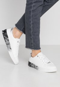 Ted Baker - RELINA - Sneakers laag - white - 0