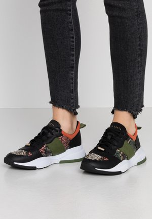 WAVARA - Sneakers basse - black