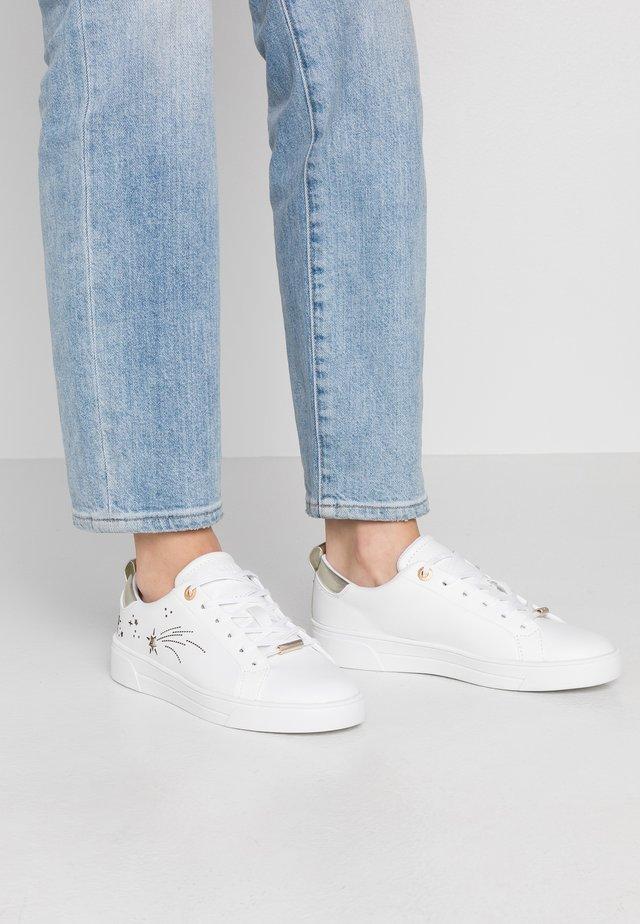 SANAA - Sneakers laag - white