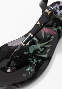 Ted Baker - MEIYA - T-bar sandals - black - 2