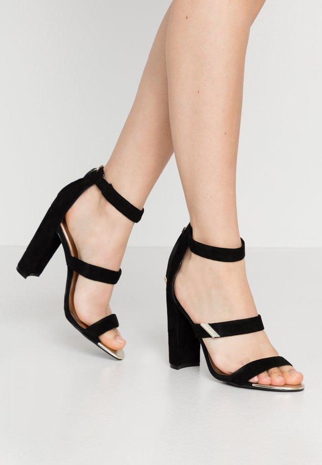 ALINRA - Korolliset sandaalit - black