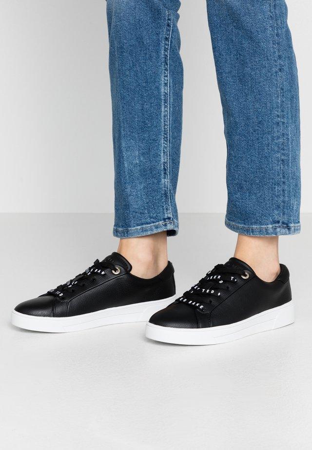 MERATA - Sneakers laag - black
