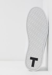 Ted Baker - TENNID - Sneakers laag - white - 6