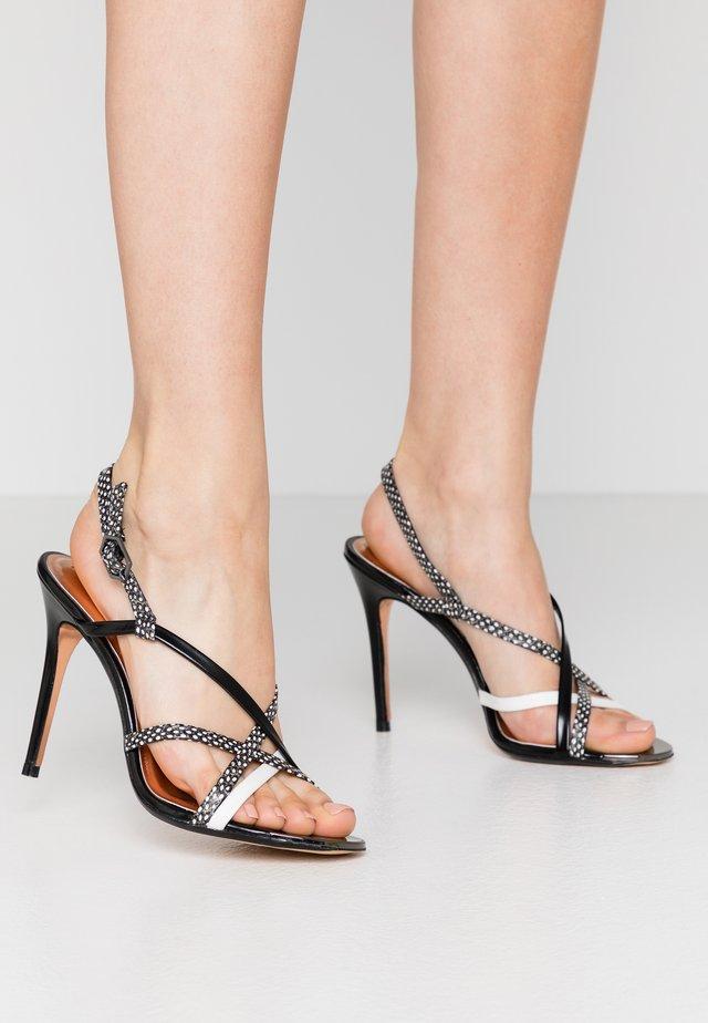 THEANAA - Korolliset sandaalit - black