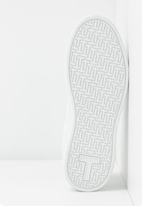 Ted Baker - ZENNCO - Sneakers laag - ivory - 6
