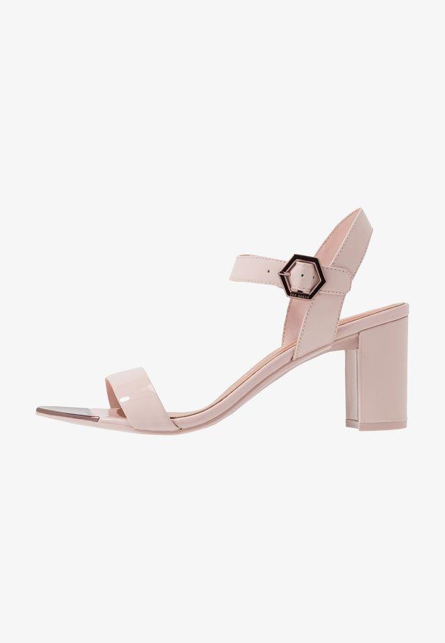 HEXIEP - Sandalen - nude/pink
