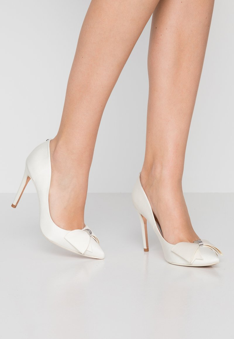 Ted Baker - ASELLYS - Zapatos altos - ivory