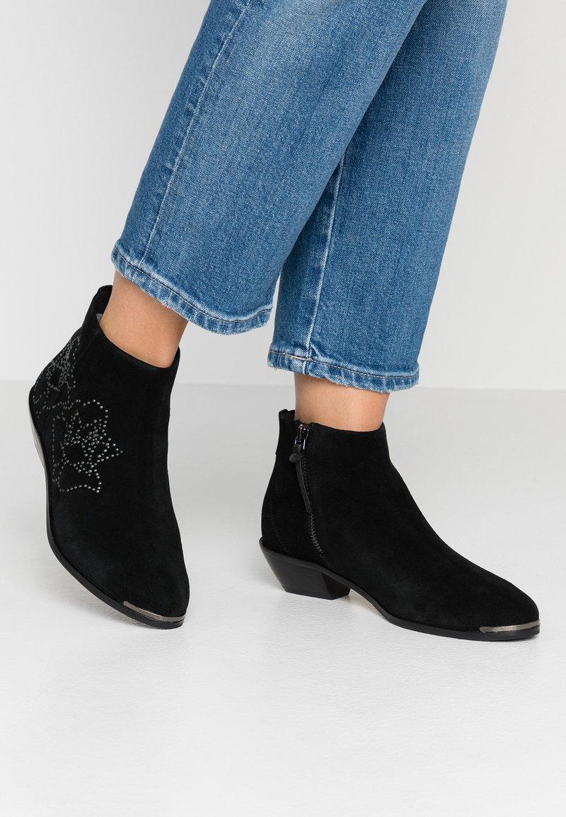 Ted Baker - DAKOTAS - Ankle boots - black