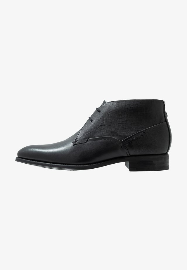 CHERR - Smart lace-ups - black
