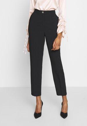 RAEET - Spodnie materiałowe - black