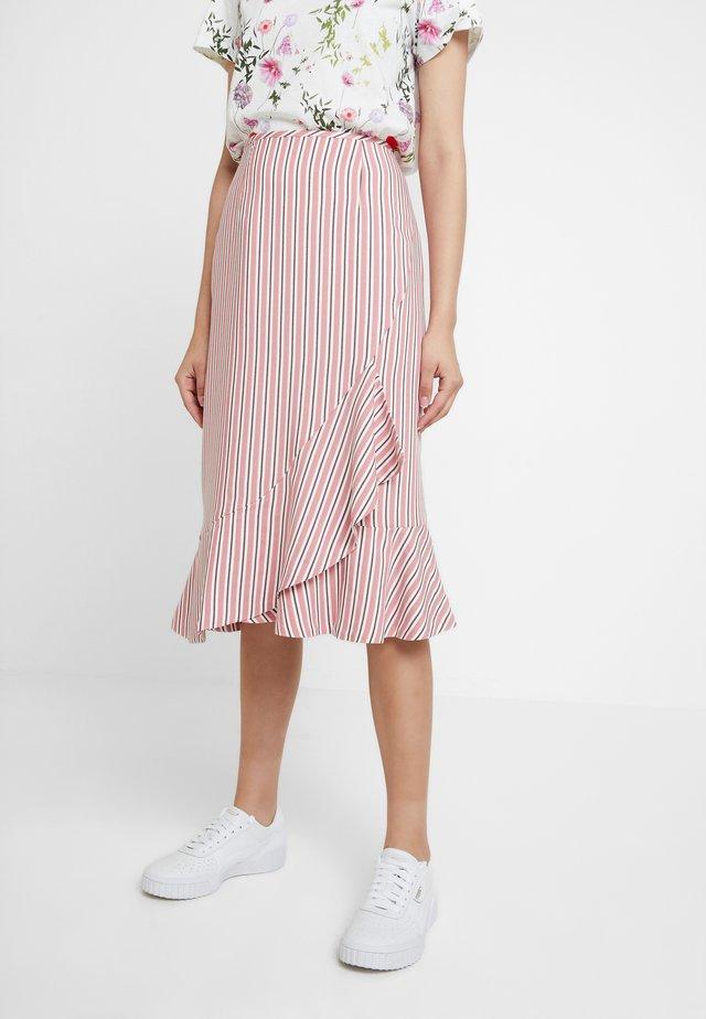 CORYN - Pencil skirt - coral