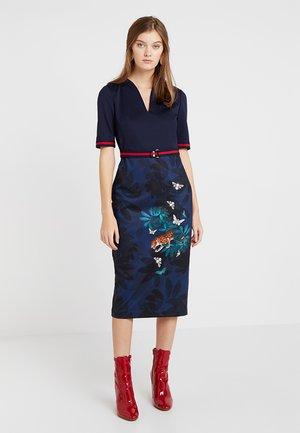 YALILA HOUDINI PRINT BODYCON DRESS - Společenské šaty - navy
