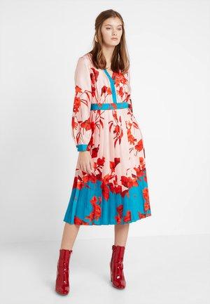 KAROLYN FANTASIA BOW NECK MIDI DRESS - Day dress - pink