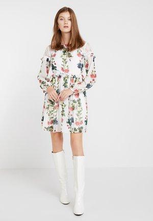 MARYAM ORACLE LAYERED RUFFLE DRESS - Korte jurk - white
