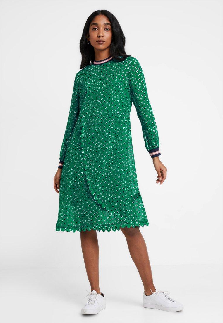 Ted Baker - SIBELLA FLORAL DOT WRAP DRESS - Korte jurk - green