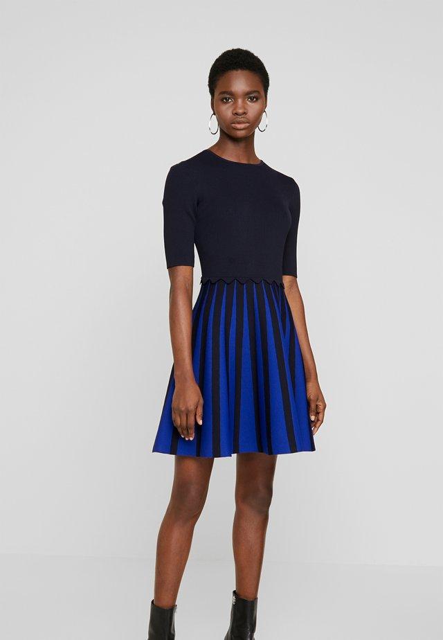 SALYEE - Gebreide jurk - dark blue