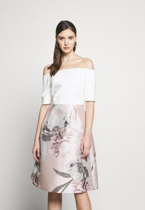 CATHIEY - Cocktailkleid/festliches Kleid - pink