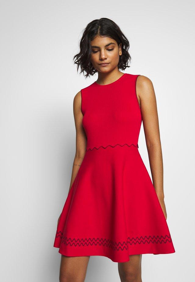 CLOEEI - Gebreide jurk - red